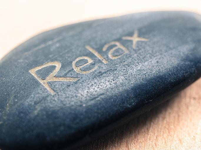 Masážny kameň s nápisom Relax