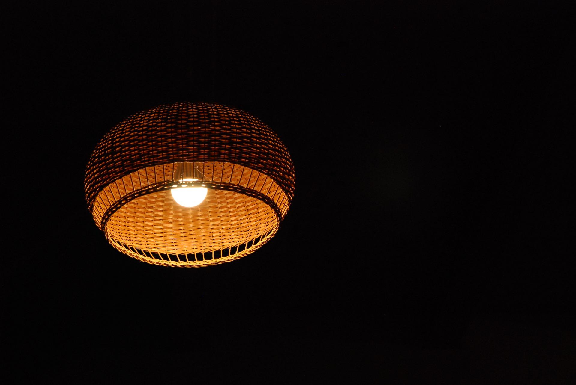 light-1942881_1920
