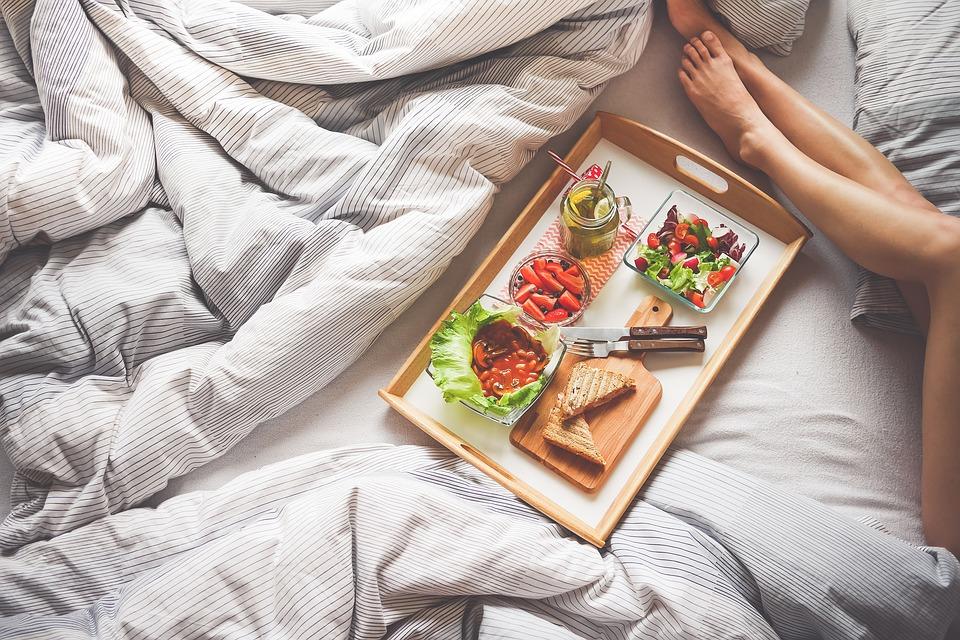 raňajky v posteli